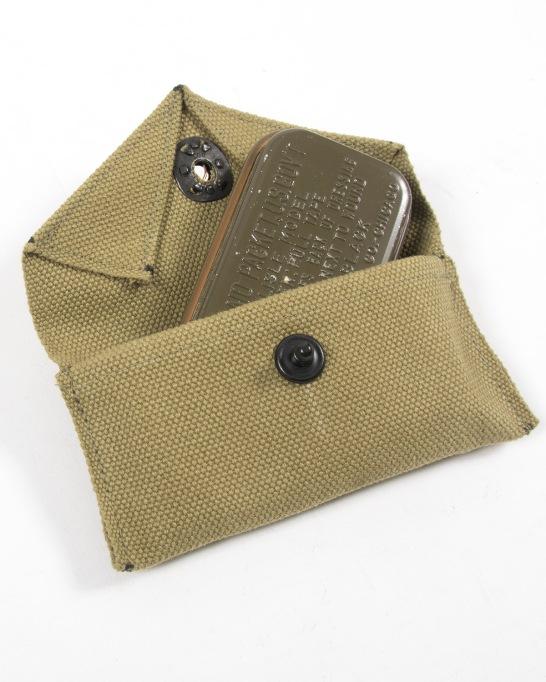 M1924-carlisle-pouch-open