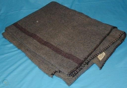 wwii-canadian-army-wool-blanket-with-label_1_eb2bb430d9acbf51be3c87c0f4628b0f.jpg